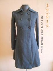 Сіре жіноче фірмове пальто VIA традиційного англійського стилю