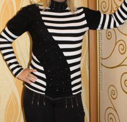 Красивый женский свитерок 44 размера