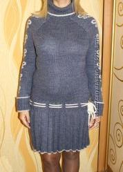 Теплое вязанное платье 44  размер