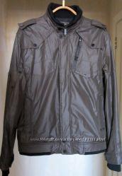 Демисезонная серая мужская куртка