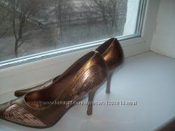Женские модельные туфли