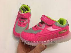 Кроссовки розовые подошва светится для девочки