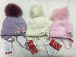 Теплые шапочки с натуральными помпонами BARBARAS-Польша