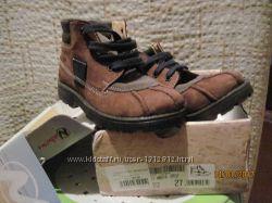 детские товары- НОВЫЕ ботинки, БУ ветровка, матрас