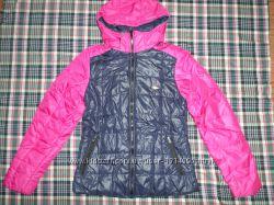 Женская куртка демисезонная на тонком синтепоне.