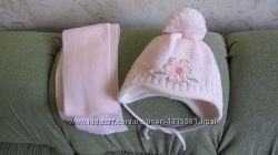 Шапочка и шарф для девочки комплект.