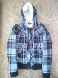 Модная, теплая куртка на меху. М