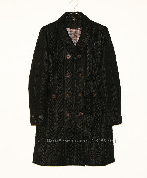 Стеганное демисизонное пальто со сьемным меховым воротником