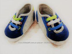 Кроссовки для самых маленьких модников