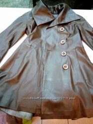 Кожаный плащ-куртка клеш KORANSO шоколад цвет ровный
