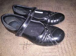Отличные туфли в школу Clarks 22 см