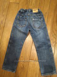 джинси на 5- 6 р.