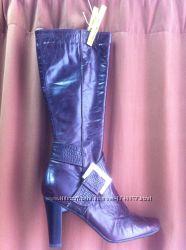 Доставка  женски сапоги кожаные темно-бардового цвета на неширокое голенище