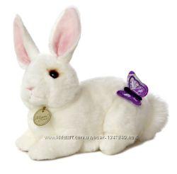 Мягкие игрушки , зайцы и кролики