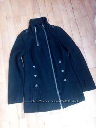 Чорне пальто. Прямий крій