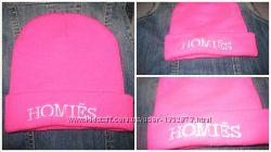 Яркая брендовая шапка Homies
