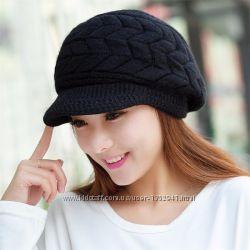 Красивая шапочка с козырьком