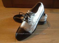 Новые кожаные туфли оксфорды Faux 41 и 42 размера