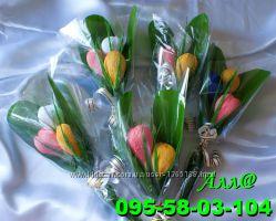 Крокусы из конфет, цветы с конфетами, корпоративный подарки к 8 марта