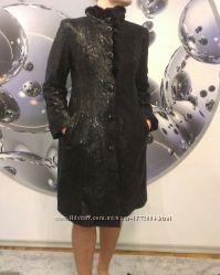 Шикарное элегантное замшевое пальто Argos с воротничком из норки