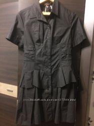 Платье  Louis Vuitton на поговицах. Разм М. Хорошее состояние.