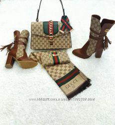 Модные и стильные сапоги коричневые 37 размер