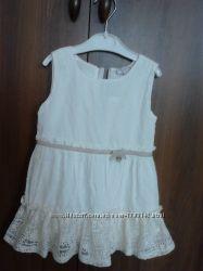 Новое нарядное  платье  от года до двух