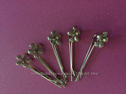Набор из 5 невидимок с цветком и камнями золотистые