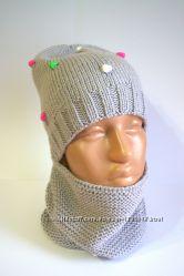 Модная шапка с пупырками и снуд.