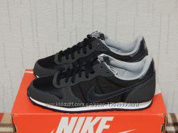 Кроссовки женские Nike Genicco