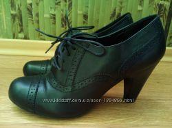Ботильоны кожаные ботинки демисезонные 39 размер.