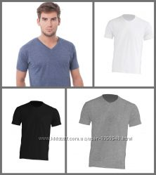 Модные мужские футболки с V-образным вырезом