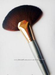 Кисть Веерная для макияжа MaxMar Professional Brush