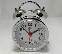 Механические классические настольные часы с будильником