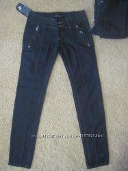 Нові плотні джинси з бірками