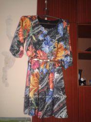Платье яркое нарядное р. 44-46