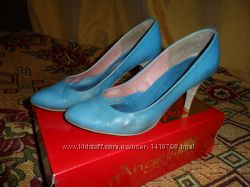 Туфли женские на шпильке 39р