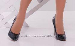 Лаковые туфли лодочки р. 38