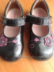 Лакові туфельки фірми Start-riteАнглія