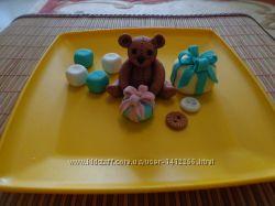 Мишка с игрушками из мастики
