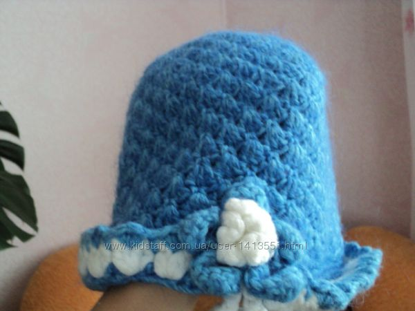 Шляпка вязаная
