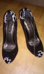 Натуральные замшевые туфли,  Basconi