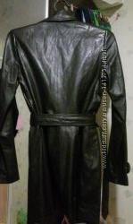 Кожаное пальто 48 размера.