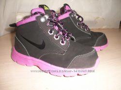 Спортивные демисезонные ботинки Nike 26 размер