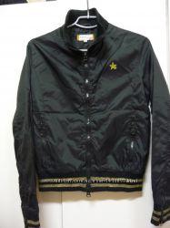 Стильная куртка- бомбер.
