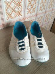 Продам оригинальные кожаные  балетки Adidas