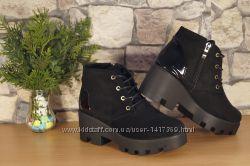 Женские велюровые ботинки с кожаной вставкой