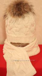Теплая вязаная детская шапка