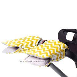 Разноцветные муфты для рук на коляску и санки