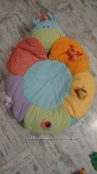 Подушка-цветочек для новорожденных
